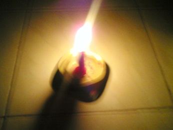 http://mardoto.files.wordpress.com/2009/01/jangan_jadi_lilin.jpg